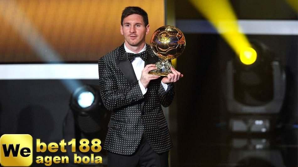 Lionel Messi Meraih Ballon d'Or Kelima
